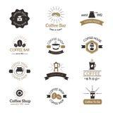 Uppsättning av vektorn för emblem för drink för morgon för design för espresso för symbol för coffee shopteckenkafé den moderna stock illustrationer