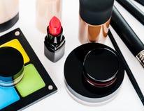 Uppsättning av yrkesmässig makeup Arkivfoto