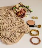 Uppsättning-en av tillbehör och trendig stilfull kläder Fotografering för Bildbyråer