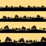 Uppsättning för bakgrunder för konturer för skogträd Arkivfoto