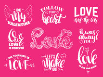 Uppsättning för dag för St-valentin` s av citationstecken med skriftlig färgpulverbokstäver för hand vektor illustrationer