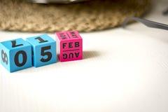 Uppsättning för evig kalender på datumet av Februari 5th Royaltyfri Foto