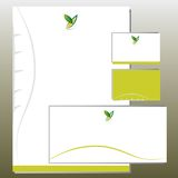Uppsättning för företags identitet - lövverk i y-bokstaven Shape - gräsplan Royaltyfria Bilder