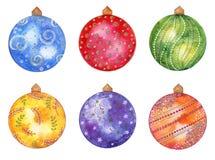 Uppsättning för jul för vattenfärghand utdragen med kulöra bollar som isoleras på vit bakgrund vektor illustrationer