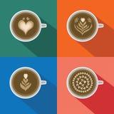 Uppsättning för modell för kaffeLattekonst med lång skugga på färgrik bakgrund Royaltyfri Bild