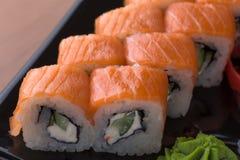 Uppsättning för Philadelphia rullsushi, slut upp Japansk mat Fotografering för Bildbyråer