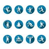 Uppsättning för sportvektorsymboler, plan konditionlogo, emblem av laget och singellekar Vit emblemidrottsman nen i en rund blå r arkivfoto