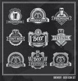 Uppsättning för svart tavla för ölsymbol royaltyfri illustrationer