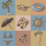 Uppsättning för symboler för strand för sjösida för sommarferier Arkivfoto