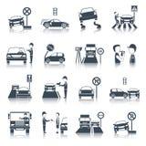 Uppsättning för symboler för trafikkränkning Arkivfoton