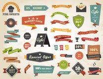 Uppsättning för vektor för tappning för emblem för klistermärke för etikettbaneretikett Royaltyfri Foto
