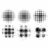 Uppsättning för vektorhalvtoneffekter Monokromprickar i cirklar stock illustrationer