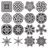 Uppsättningen av abstrakta sakrala geometrisymboler i keltiska fnuren utformar Arkivfoton