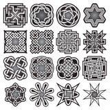 Uppsättningen av abstrakta sakrala geometrisymboler i keltiska fnuren utformar Arkivfoto