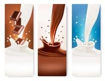 Uppsättningen av baner med choklad och mjölkar färgstänk Arkivfoton