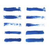 Uppsättningen av blått målar, färgpulverborsten slår, borstar, linjer som isoleras på vit bakgrund vektor illustrationer