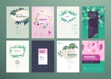 Uppsättningen av broschyren och årsrapporträkningen planlägger mallar på ämnet av naturen, miljön och organiska produkter Arkivfoton