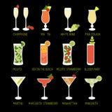 Uppsättningen av coctailar och alkohol dricker i svart bakgrund royaltyfri illustrationer
