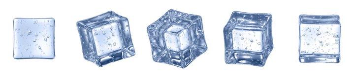 Uppsättningen av Crystal Clear Artificial Acrylic Ice skära i tärningar fyrkanten Shape 3D framf?r p? en vit bakgrund royaltyfria foton