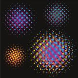 Uppsättningen av den abstrakta halvton cirklar bakgrunder, vektorillustrationjordklot i färgrika prickar på svart bakgrund vektor illustrationer