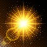 Uppsättningen av den glödande stjärnan för ljus effekt, det varma gula glödet för solljus med mousserar på en genomskinlig bakgru Royaltyfri Fotografi