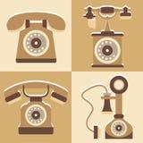 Uppsättningen av den gulliga telefonen och tappning utformar symbolen stock illustrationer