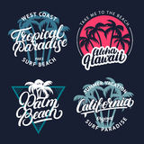 Uppsättningen av det tropiska paradiset, Palm Beach, Aloha Hawaii och Kalifornien räcker skriftlig bokstäver med gömma i handflat royaltyfri illustrationer