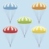 Uppsättningen av flerfärgat hoppa fallskärm Royaltyfria Bilder