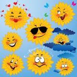Uppsättningen av gulliga tecknade filmer av solen med olikt uttrycker Arkivbild