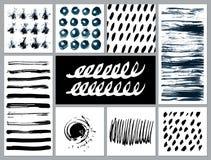 Uppsättningen av idérika kort med fläckar och klottrar Arkivfoto
