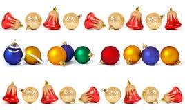Uppsättningen av julspheres och sätta en klocka på Royaltyfri Bild