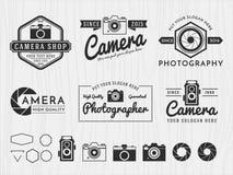 Uppsättningen av kameran för tappningemblemlogoen och fotografi planlägger, monokromma emblem-, baner-, gradbeteckning-, logotyp- vektor illustrationer