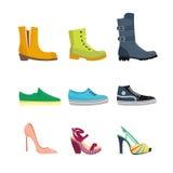 Uppsättningen av kvinnors skor sänker designvektorsamlingen av den läder färgade mockasinkängaillustrationen Arkivbilder