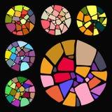 Uppsättningen av ljusa mosaiska designbeståndsdelar i cirkel bildar Royaltyfri Foto