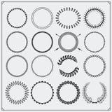 Uppsättningen av runda dekorativa modeller för baner, ramar och tappningetikett planlägger Royaltyfri Fotografi