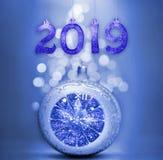 Uppsättningen av skinande siffror för silver blänker på bakgrund Bakgrund 2019 för nytt år Jul arkivfoto