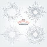 Uppsättningen av solstrålar avbildar i handteckningsstil Grafiska beståndsdelar för olika designprojekt Ojämna solstrålar som avv royaltyfri illustrationer