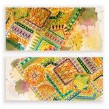 Uppsättningen av vektormallbaner med den drog bakgrund för vattenfärgmålarfärgabstrakt begrepp och klotterhanden blommar vektor illustrationer