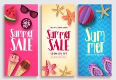Uppsättningen för designen för affischen för sommarförsäljningsvektorn med försäljningstext och strandpapper klippte beståndsdela vektor illustrationer
