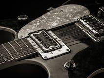 Uppsamlingar och rader av den gamla elektriska gitarren Arkivfoton