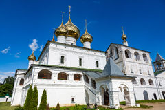 Uppståndelsekloster av det 17th århundradet i Uglich, Ryssland Royaltyfri Bild