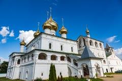 Uppståndelsekloster av det 17th århundradet i Uglich, Ryssland Fotografering för Bildbyråer