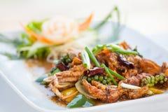 Uppståndelse stekt krabba med svartpeppar Royaltyfri Bild