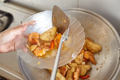 Uppståndelse stekt kryddig räkatofu Arkivbild