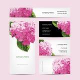 Uppsättning av affärskortdesignen med vanlig hortensiablomman Arkivfoton
