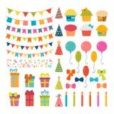 Uppsättning av beståndsdelar för design för födelsedagparti Färgrika ballonger, flaggor, Arkivfoto