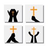 Uppsättning av händer som rymmer kristenkorset - vektorsymboler Royaltyfri Bild