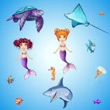 Uppsättning av invånare, sjöjungfruar, fisk, skallar och annan för tecknad film undervattens- Royaltyfria Bilder