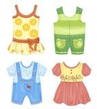 Uppsättning av kläder för ungar Arkivbilder