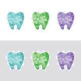 Uppsättning av logoer för tand- klinik Arkivfoton